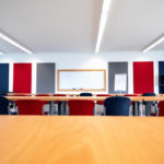 Seminarraum - Blick auf das Whiteboard